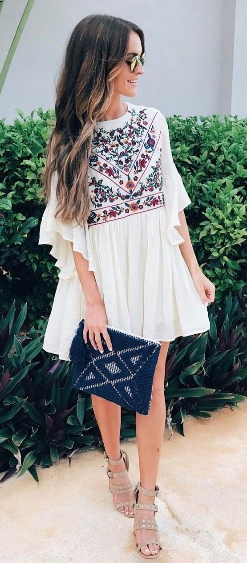 We prepared for you catchy summer outfit ideas for September this year!