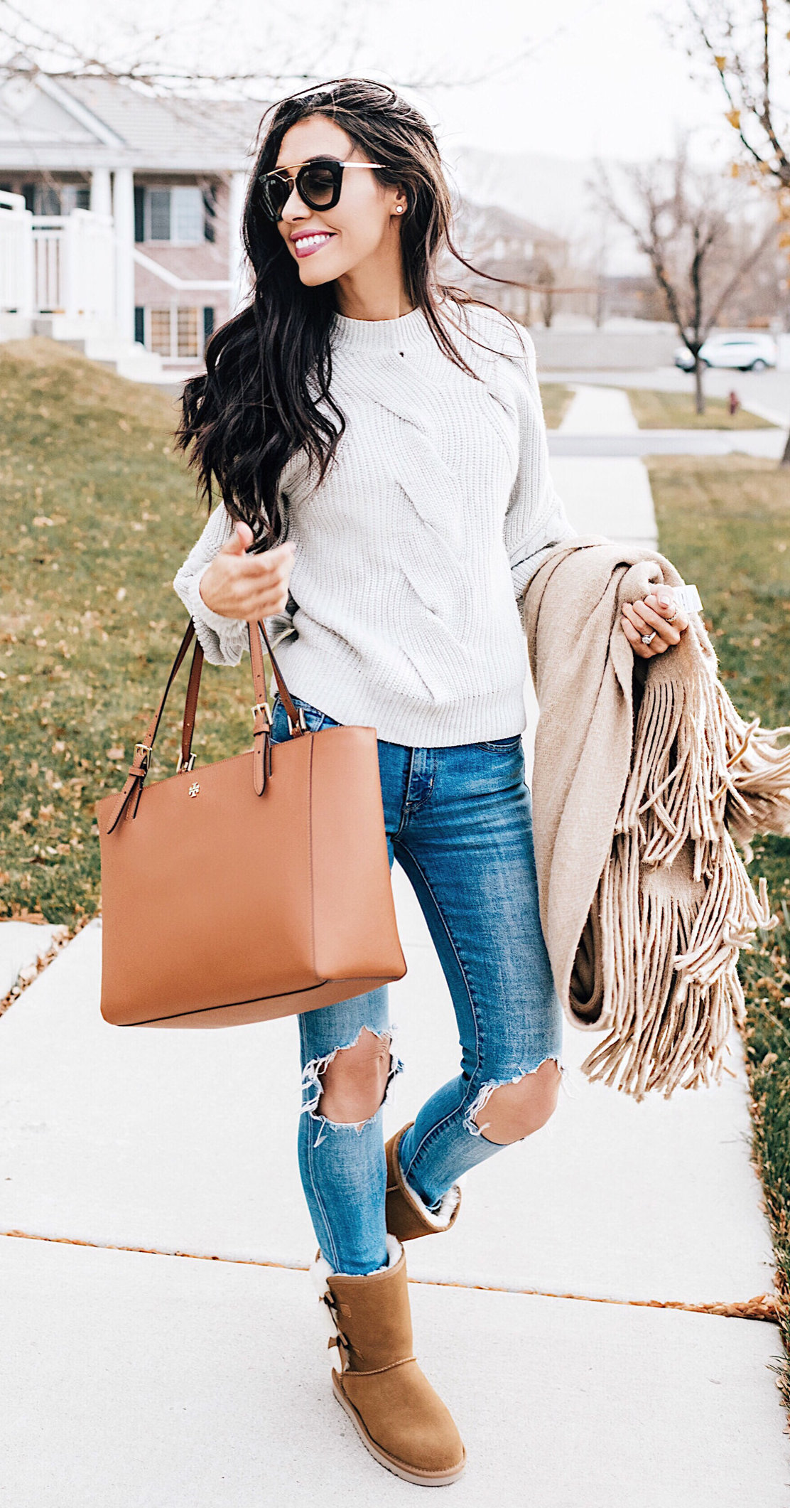 Click to find inspiration in these outfit ideas, that will make you attractive. #winter #outfits