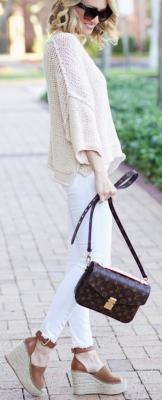 These outfits are perfect #springtime #outfit inspiration.