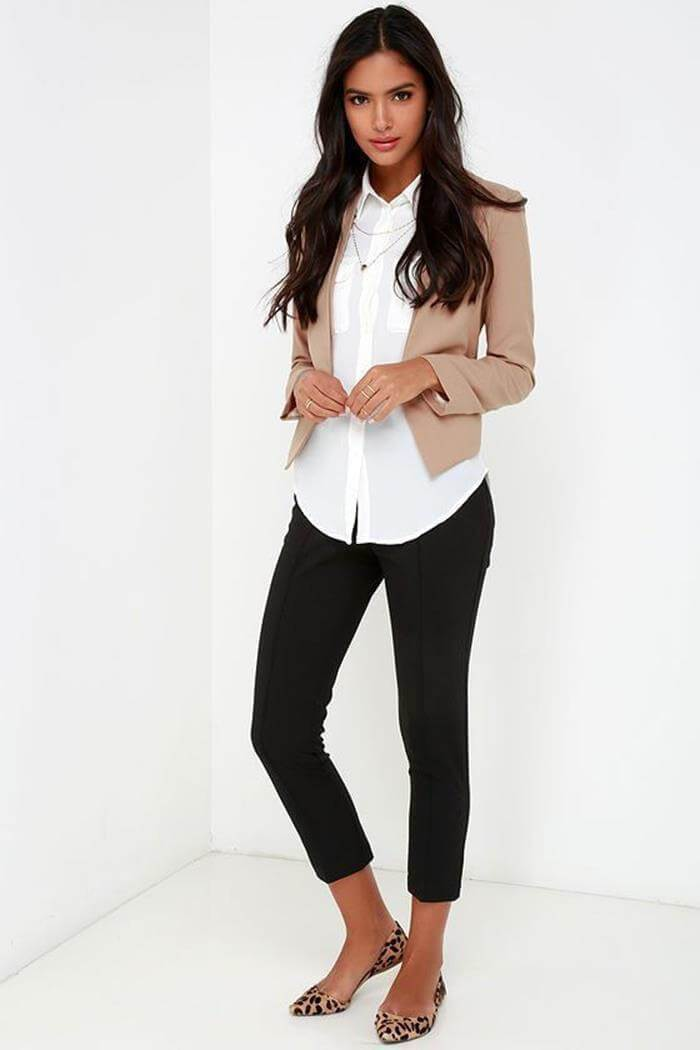Take a look at these chic business casual outfit ideas!